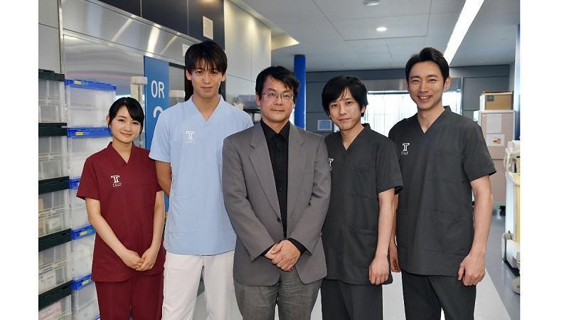 『ブラックペアン』原作者・海堂尊が撮影現場で二宮和也を絶賛!