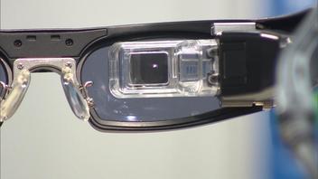 「見る」が変わる!網膜に投影する眼鏡