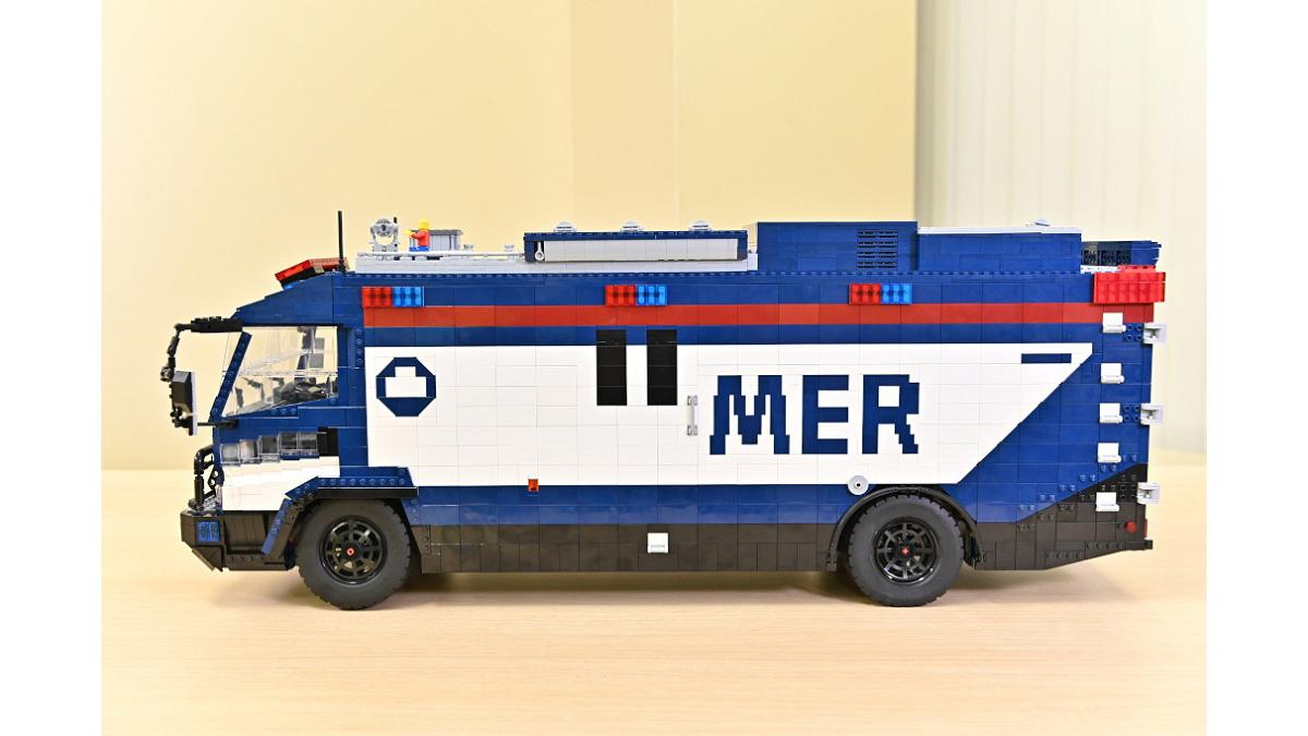 赤坂に『TOKYO MER』LEGO ERカー登場!東大LEGO部が全面協力